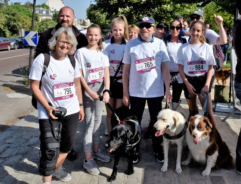 chiens-guides-30ans-marche-002.jpg