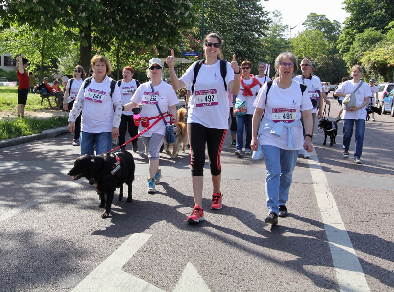 chiens-guides-30ans-marche-078.jpg