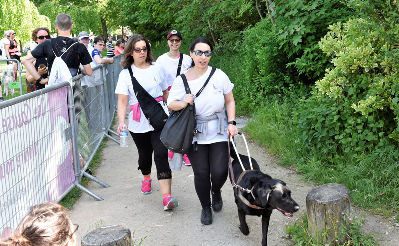 chiens-guides-30ans-marche-096.jpg