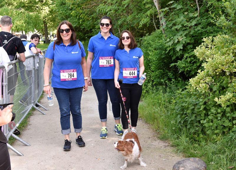 chiens-guides-30ans-marche-098.jpg