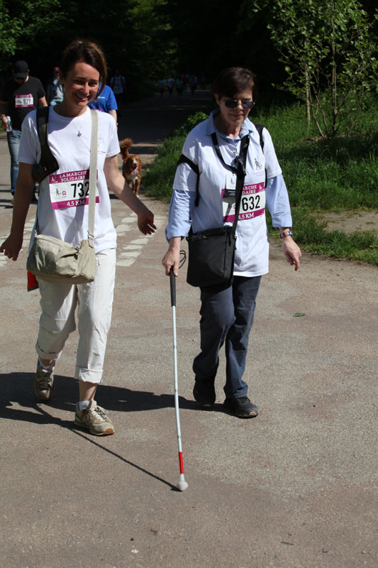 chiens-guides-30ans-marche-136.jpg