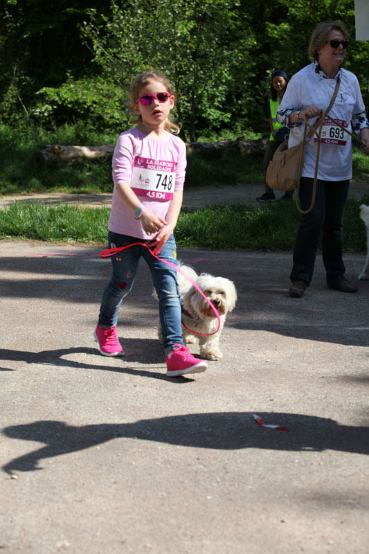 chiens-guides-30ans-marche-173.jpg