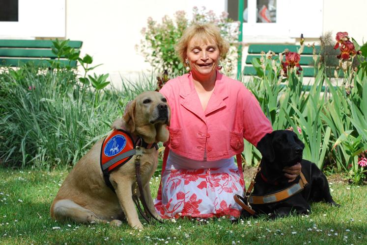 Dominique et Riade à la retraite et Egée son chien guide